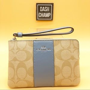 Coach Wristlet Corner Zipper Wallet
